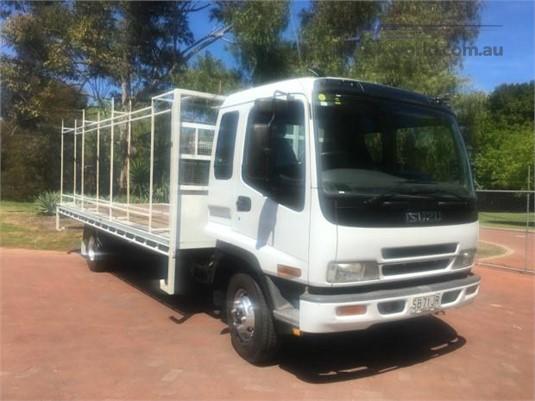 2003 Isuzu FRR 550 - Trucks for Sale