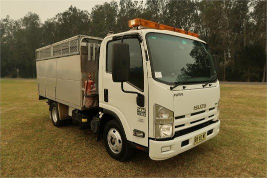 2013 Isuzu NPR 200 Short - Trucks for Sale