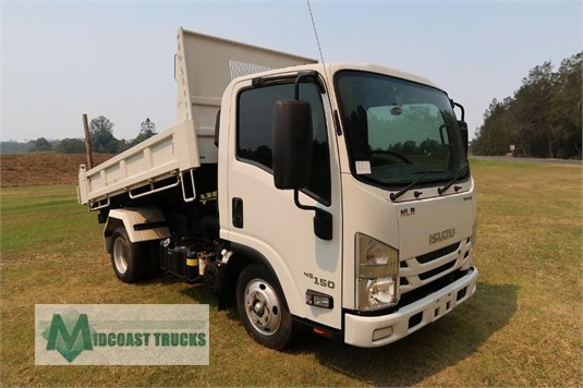 2017 Isuzu NLR45-150 Midcoast Trucks - Trucks for Sale
