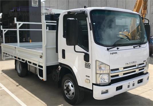 2008 Isuzu NPR300 - Trucks for Sale