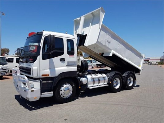 2005 Isuzu Giga EXY 425 Custom - Trucks for Sale