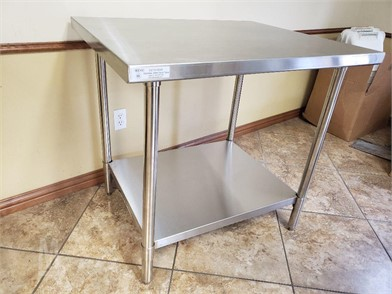 84'' X 30'' ALL STAINLESS WORK TABLE Autres Articles En