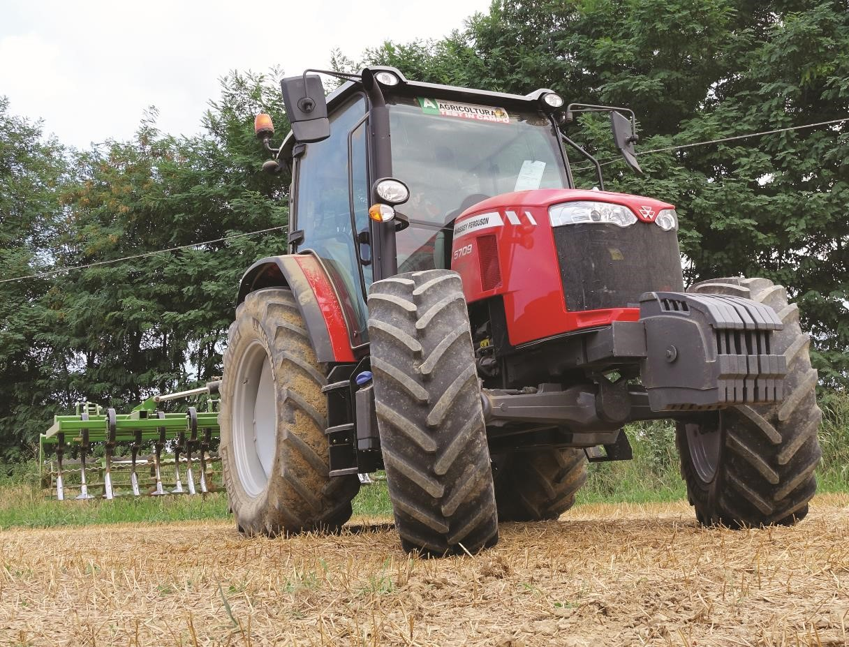 trattore massey ferguson serie 5700 global series test in campo