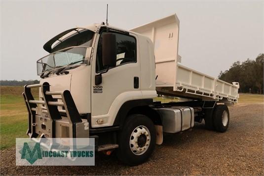 2009 Isuzu FVD 1000 Long Midcoast Trucks - Trucks for Sale