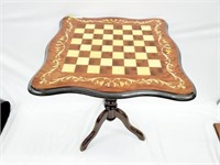 Exquisit Italian Marquetry Gaming Pedestal Table
