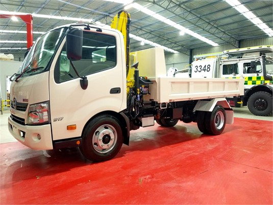 2019 Hino 300 Series 917 - Trucks for Sale