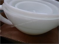 Fire King nesting bowls