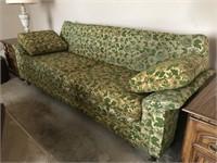 Vintage sofa semi: vintage green floral