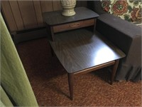 Two vintage end tables with lamps.