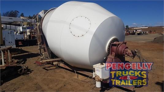 Forbes Concrete Agitator Trailer Pengelly Truck & Trailer Sales & Service - Trailers for Sale