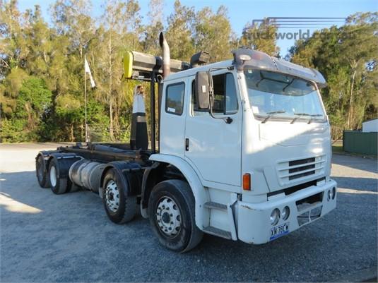 2009 Iveco Acco 8x4 - Trucks for Sale