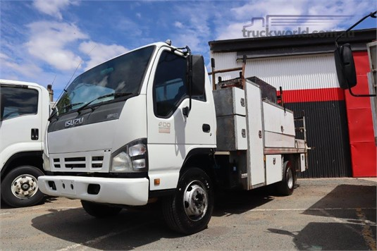2006 Isuzu NPR 400 - Trucks for Sale