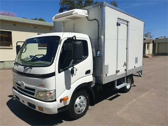 2010 Hino 300 Series 616 - Trucks for Sale
