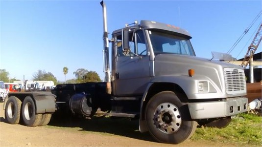 2004 Freightliner FL80 - Trucks for Sale