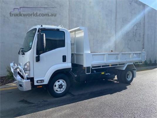 2017 Isuzu FRR - Trucks for Sale