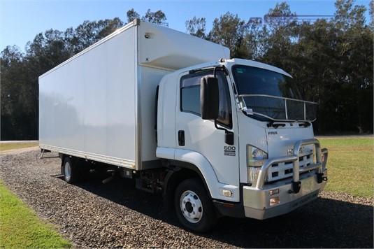 2011 Isuzu FRR 600 Long - Trucks for Sale