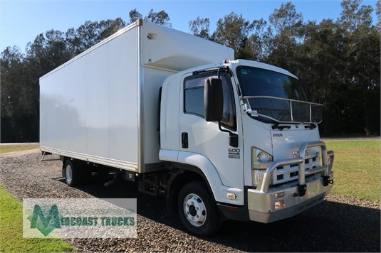2011 Isuzu FRR 600 Long Midcoast Trucks - Trucks for Sale