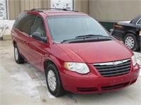 2005 Chrysler Mini Van & 2009 Gem ELXD Online Only