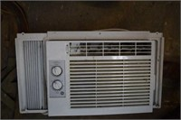 GE 110v Air Condition