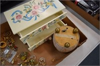 Jewelry Box / Music Box / Jewelry