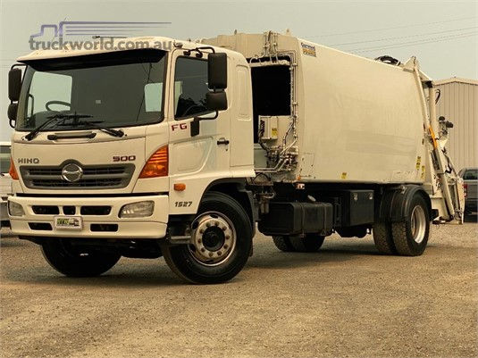 2010 Hino FG1527 - Trucks for Sale