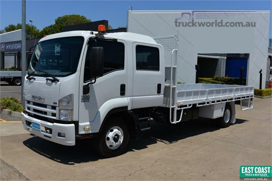 2010 Isuzu FRR 500 - Trucks for Sale