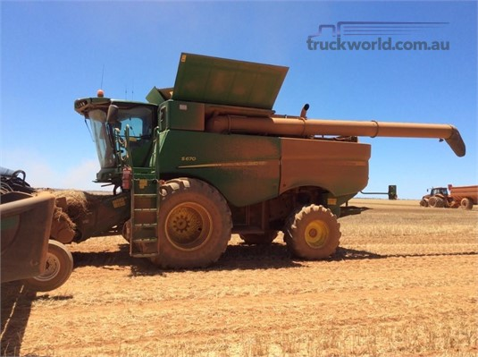 2016 John Deere S670  - Farm Machinery for Sale