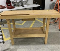 Wooden work bench with side wooden vise
