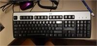 HP computer, keyboard, monitor