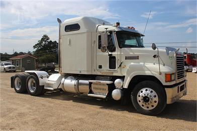 MACK PINNACLE CHU613 Conventional Trucks W/ Sleeper For Sale ... on