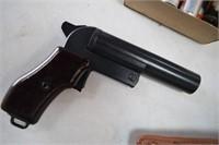 Czech Flare Pistol w/ Flares & Case