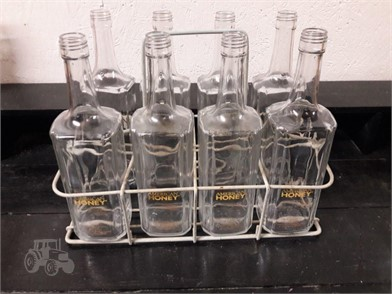 8 AMERICAN HONEY EMPTY WHISKEY BOTTLES & WIRE RACK Other ... on
