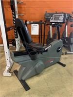Life Fitness 9500RHR Recumbent Bike