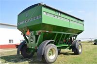 Harvest Equipment - Gravity Wagons  UNVERFERTH 630