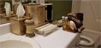 Lot of matching bathroom set