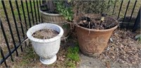 Lot of 3 Large Flower pots (Plastic)