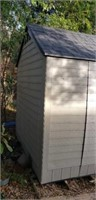 Approx. 7 x 7 Rubbermaid Outdoor Shed