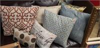 Lot of 7 pillows