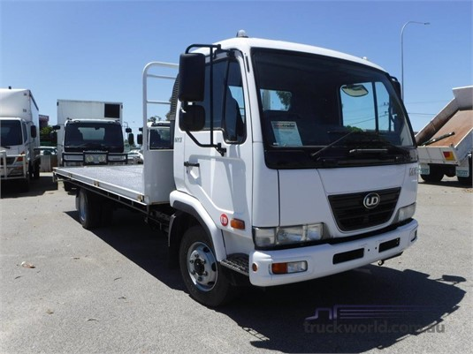 2009 UD MK5 - Trucks for Sale