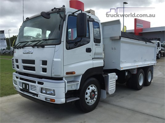 2017 Isuzu other - Trucks for Sale