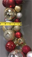 "Christmas Wreath Plastic Ornaments 23"""