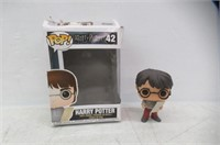 Harry Potter S4 - Harry W/ Marauders Map