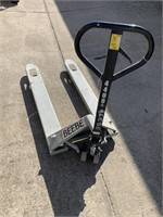 Strongway 4400 lb Capacity Pallet Jack