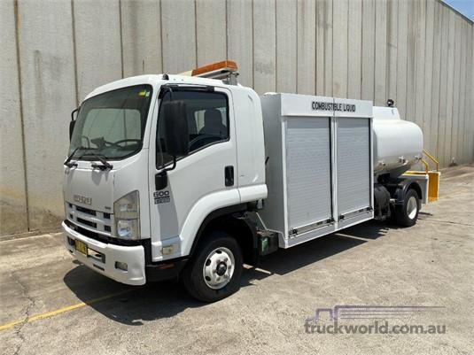 2008 Isuzu FRR 600 Long - Trucks for Sale
