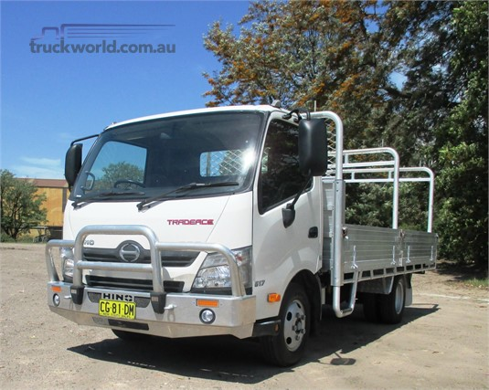 2015 Hino 300 Series 617 - Trucks for Sale
