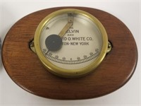 Lot of 2 vintage barometers