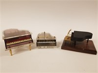 Lot of 3 miniature pianos