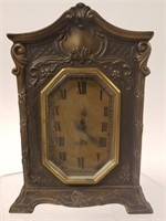 Lot of 2 metal case clocks