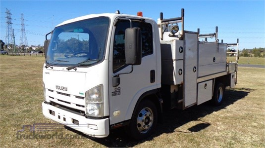 2011 Isuzu NPR 400 - Trucks for Sale
