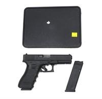 """Glock Model 17 9mm Semi-Auto, 4.48"""" Barrel w/2-10"""